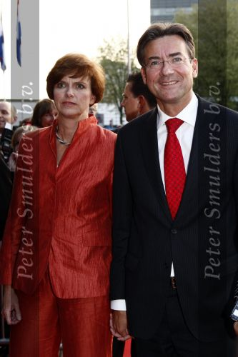 Family photo of the politician, married to Annemieke Beijlevelt, famous for minister of foreign afairs.